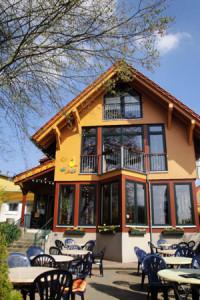 bistro-entenhausen-im-fruehling